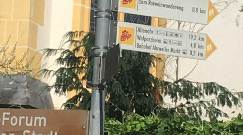Wegweiser Ahrweiler Markt