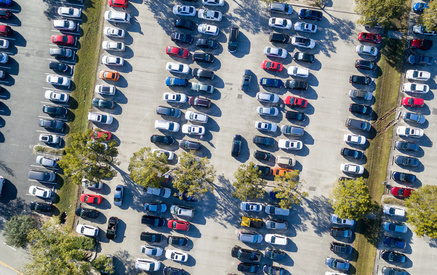 überfüllte Parkplätze